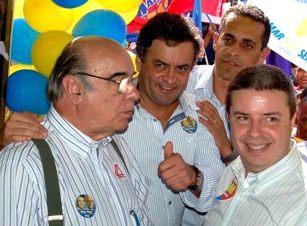 Tucano, amigo do Aécio, propõe lei para prender quem denunciar  candidatos ladrões e corruptos.Cadeia nele!!!!!